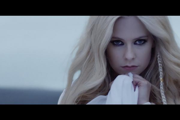 Embedded thumbnail for Avril Lavigne - Head Above Water