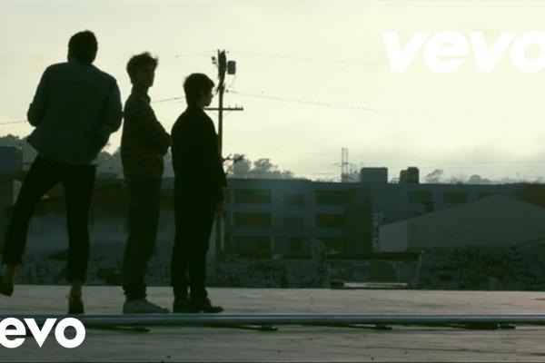 Embedded thumbnail for Foster The People - Pumped up Kicks