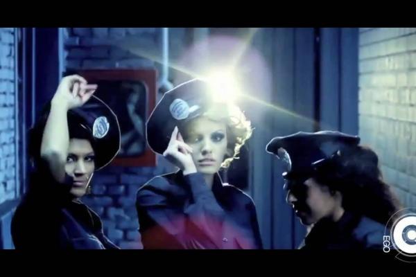Embedded thumbnail for Alexandra Stan - Mr Saxobeat
